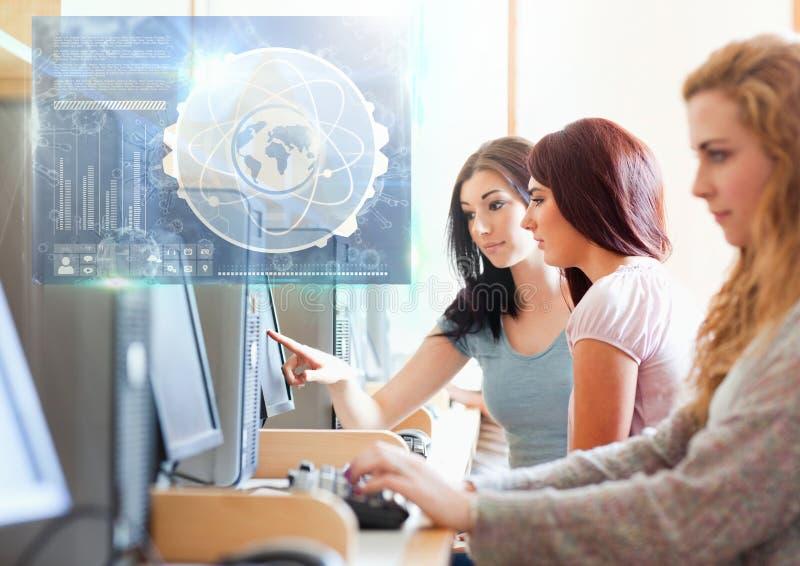 Vrouwelijke Student die met computer en de bekleding van de de interfacegrafiek van het wetenschapsonderwijs bestuderen royalty-vrije illustratie