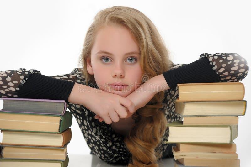 Vrouwelijke student met boeken stock fotografie