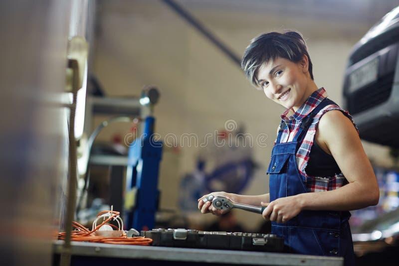 Vrouwelijke technicus stock fotografie