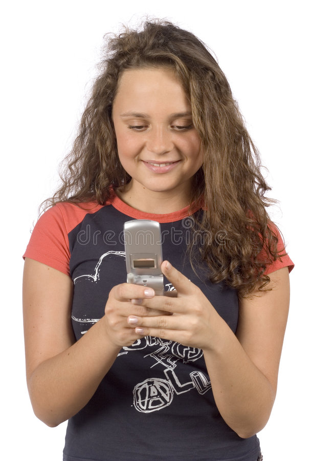 Vrouwelijke tiener die kort tekstbericht schrijft royalty-vrije stock foto's