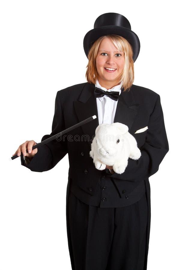 Vrouwelijke tovenaar met konijn stock fotografie