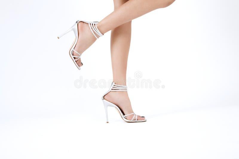 Vrouwelijke voeten met Hoge Hielen stock foto