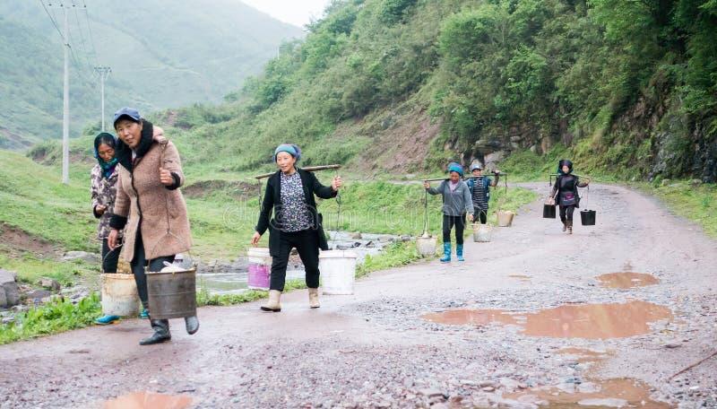 Vrouwen die in grote Liangshan van China leven royalty-vrije stock afbeelding