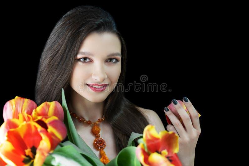 Vrouwen massieve bijkomende oranje halsband stock foto