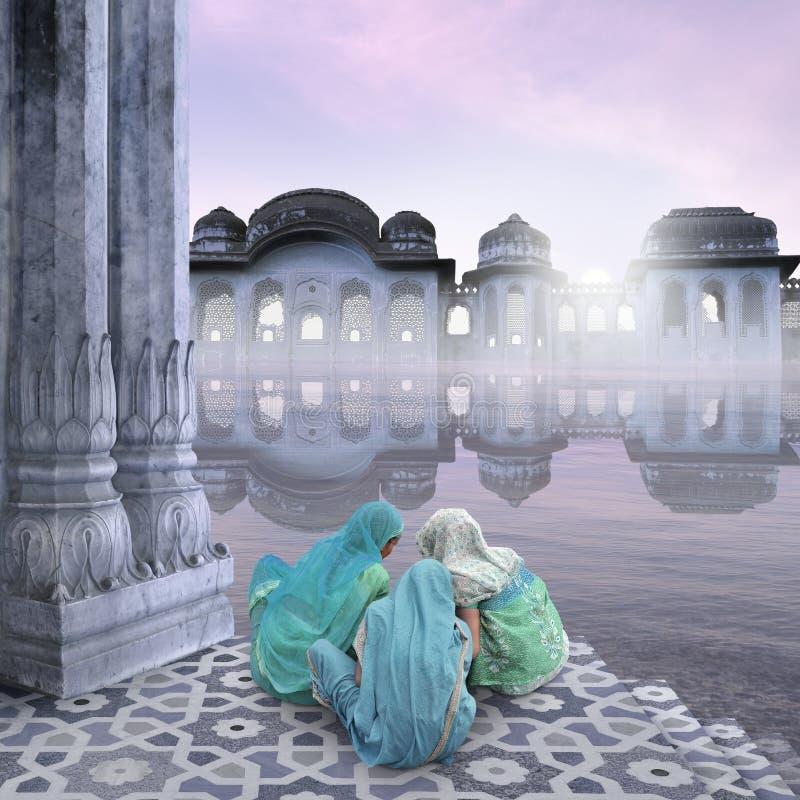 Vrouwen op de Ganges royalty-vrije stock afbeeldingen