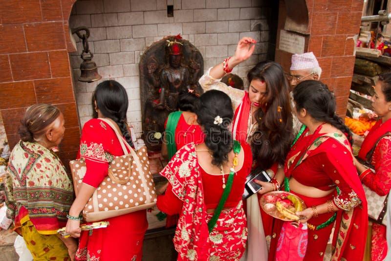Vrouwen van Teej-festival, Durbar-Vierkant, Katmandu, Nepal royalty-vrije stock foto's