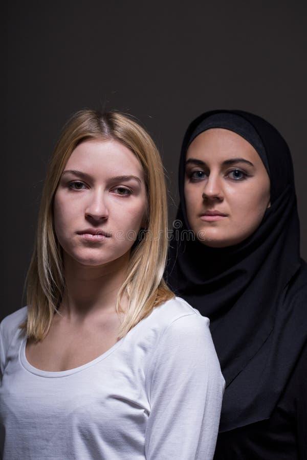 Vrouwen van verschillende culturen royalty-vrije stock afbeelding