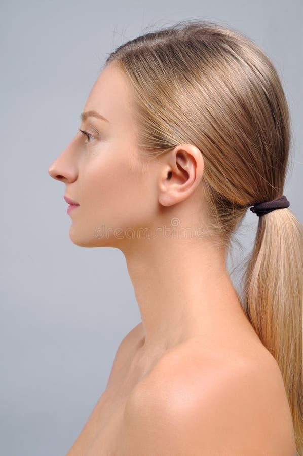 Vrouwengezicht na plastische chirurgie Anti-veroudert behandeling en gezichtslift royalty-vrije stock foto