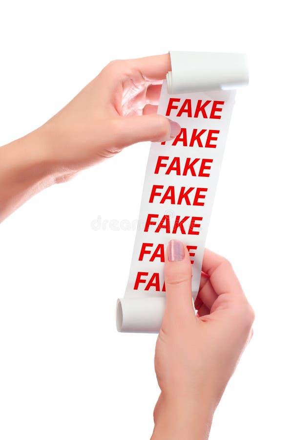 Vrouwengreep in Haar Handenbroodje van Document met Gedrukt Ontvangstbewijs vervalsing stock afbeelding