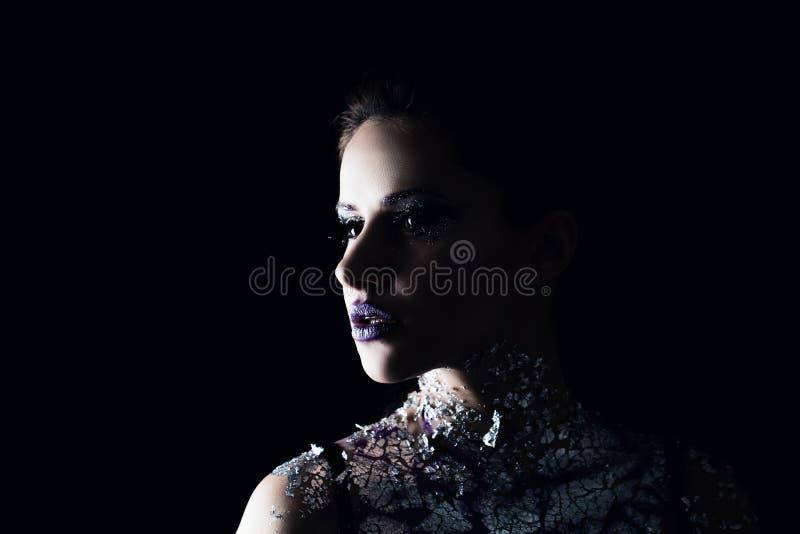 Vrouwenmannequin met Creatieve Make-up stock foto's