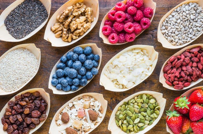 Vruchten, bessen, noten, zaden hoogste mening royalty-vrije stock foto's