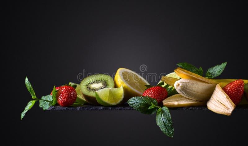 Vruchten en pepermunt royalty-vrije stock foto's