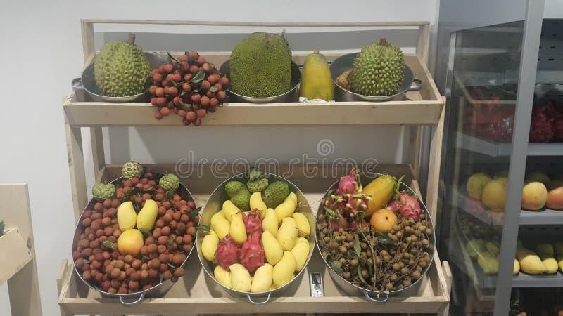 Vruchten van Vietnam op storefront royalty-vrije stock foto's