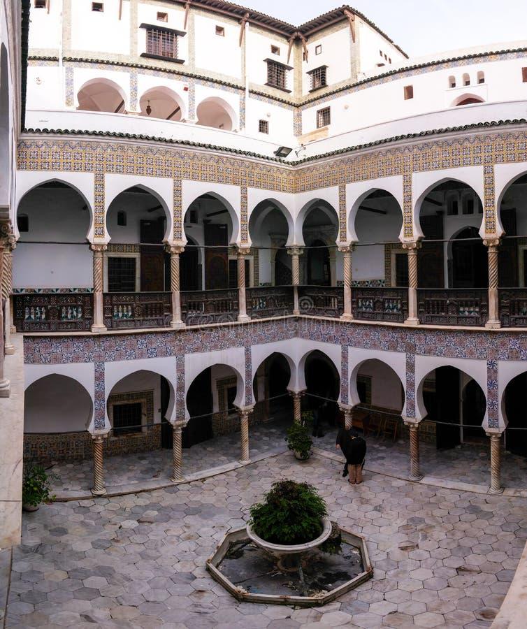 Vue à Dar Mustapha Pacha Palace, Casbah d'Alger, Algérie images libres de droits