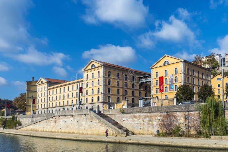 Vue à l'école d'art célèbre à Lyon, France photos libres de droits