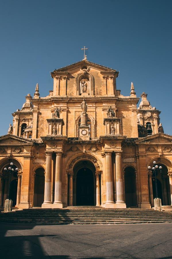 Vue ? l'?glise de Saint-Nicolas dans Siggiewi, Malte image stock