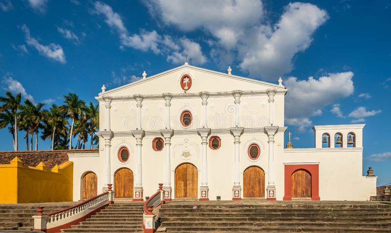 Vue ? l'?glise de San Francisco ? Grenade - au Nicaragua images libres de droits