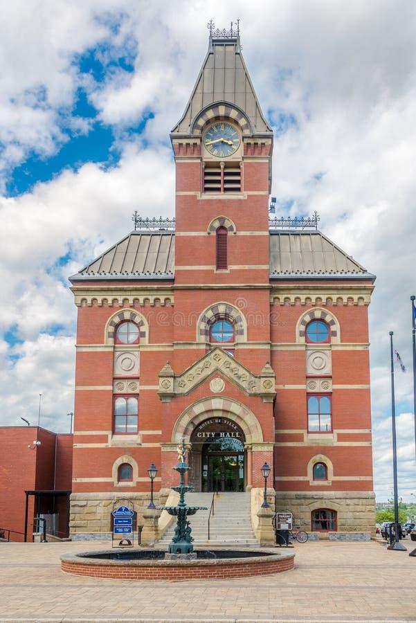 Vue à l'hôtel de ville de Fredericton dans le Canada photographie stock