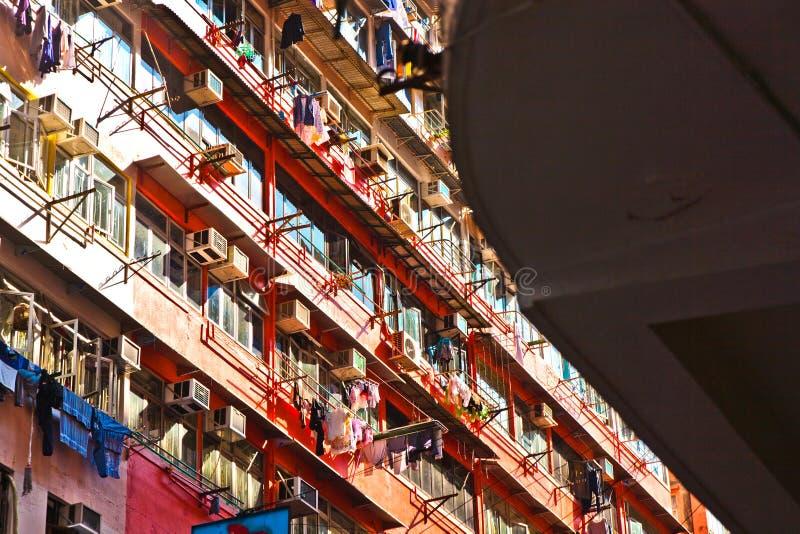 Vue à la vieille façade de gratte-ciel photographie stock libre de droits