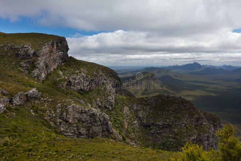 Vue à partir de dessus de monticule de bluff, Stirling Ranges, WA photos libres de droits