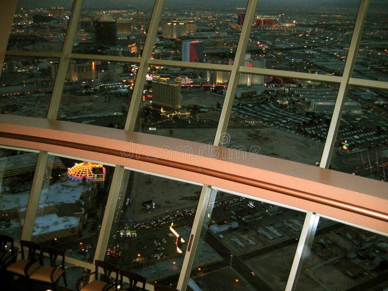 Vue à partir du dessus du restaurant du monde à l'intérieur de la tour de stratosphère, Las Vegas, Nevada, Etats-Unis photos stock