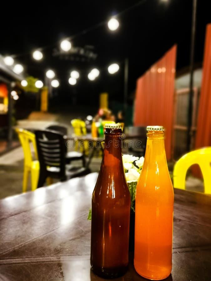 Vue à un secteur extérieur de consommation de restaurant images stock