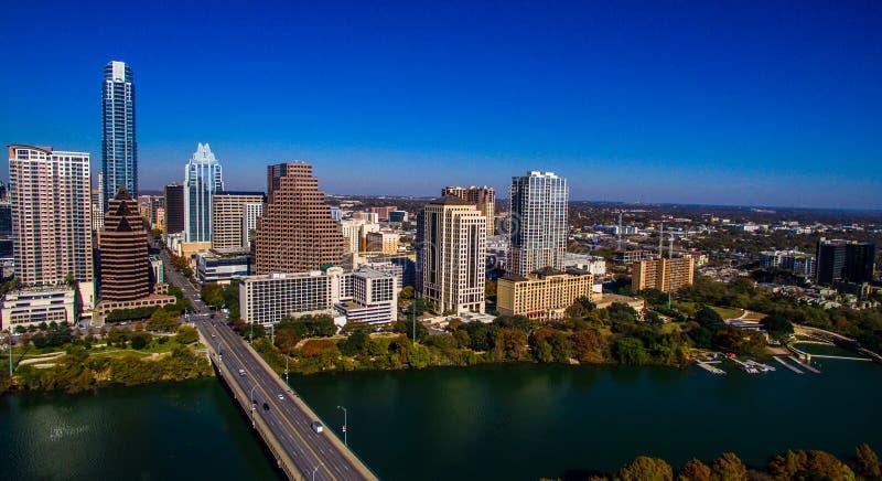 Vue élevée aérienne au-dessus de l'antenne 2016 d'horizon d'Austin Looking East Urban Industrial Austin Texas images stock