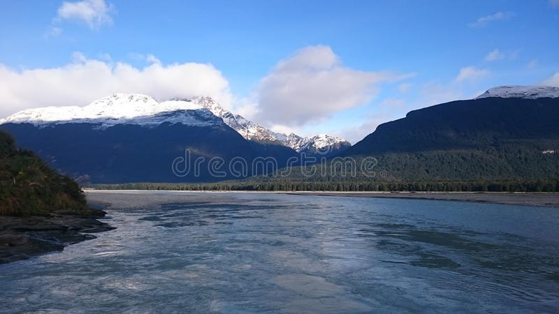 Vue étonnante de rivière de dard photos stock