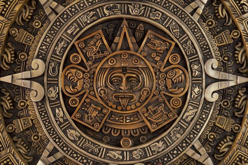 Vue étroite du calendrier aztèque photo stock