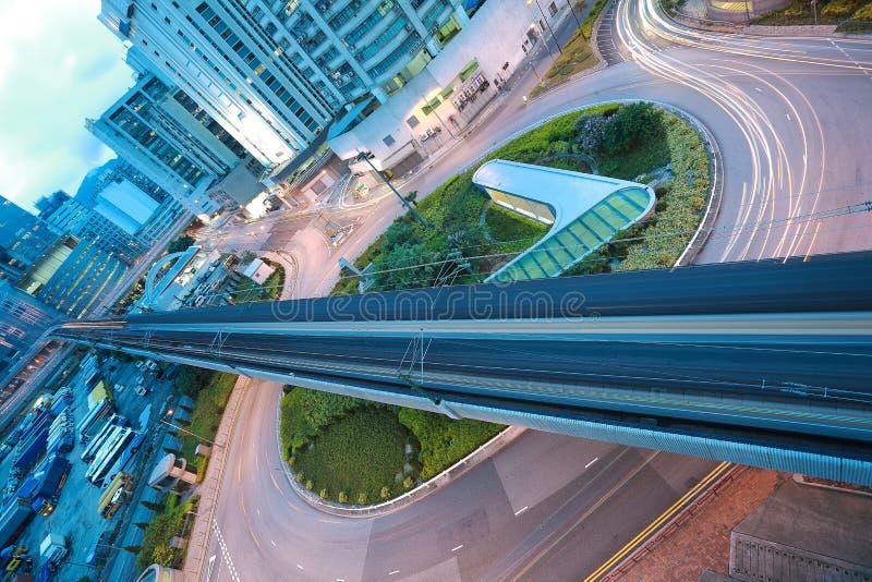 Vue aérienne à la route et au chemin de fer ronds de ville photos stock