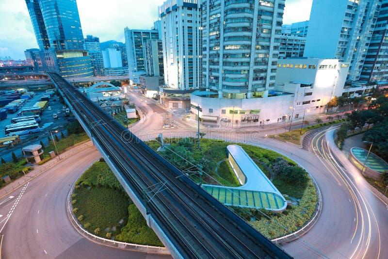 Vue aérienne à la route et au chemin de fer ronds de ville photos libres de droits