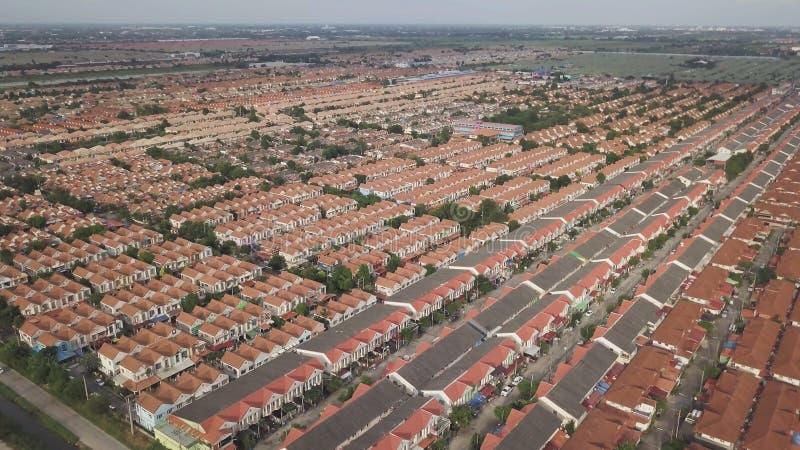 Vue aérienne au-dessus des maisons privées photo stock