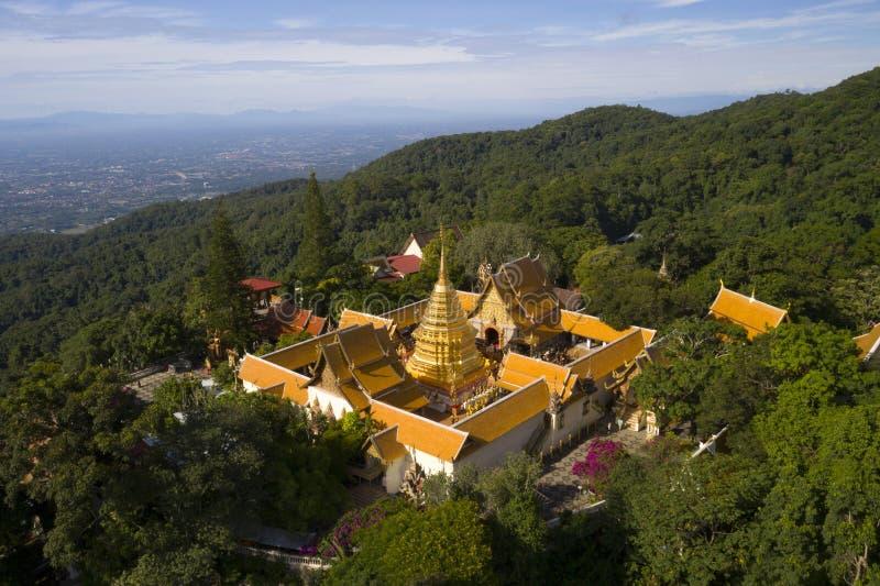 Vue aérienne au temple de Wat Phra That Doi Suthep dans Chiangmai, Thaïlande photo libre de droits
