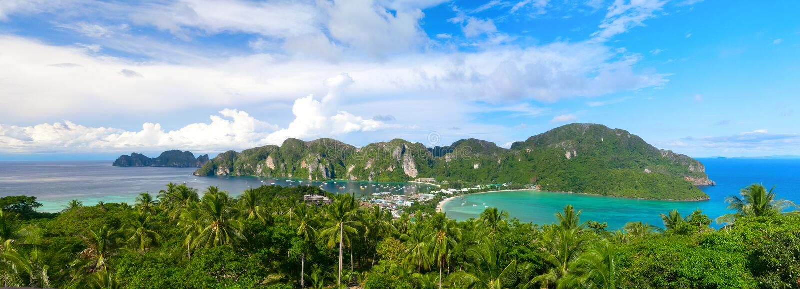 Vue aérienne d'île étonnante de Phi-phi photo stock