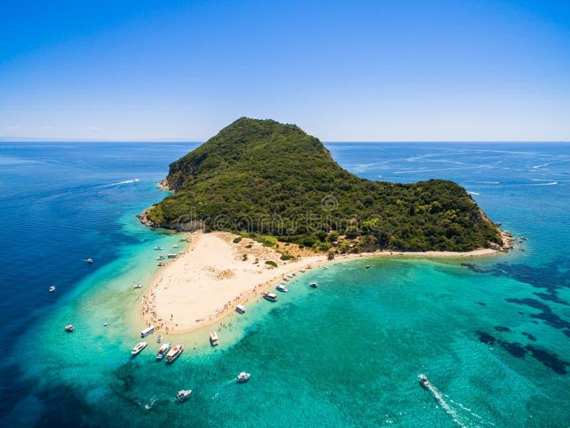 Vue aérienne d'île de Marathonisi en île de Zakynthos Zante, I image stock