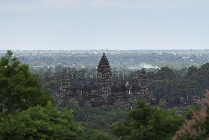 Vue aérienne d'Angkor Wat Vue d'en haut de temple bouddhiste antique populaire d'attraction touristique dans Siem Reap, Cambodge image libre de droits