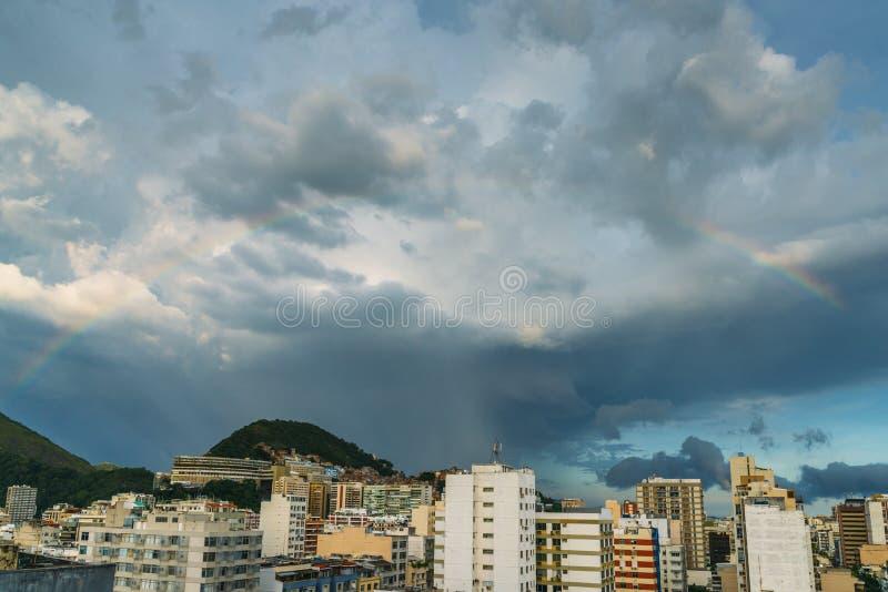Vue aérienne d'arc-en-ciel en Rio de Janeiro, Brésil image libre de droits