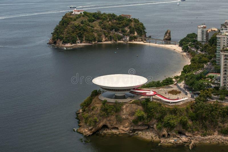 Vue aérienne d'Art Museum contemporain à Niteroi photo libre de droits