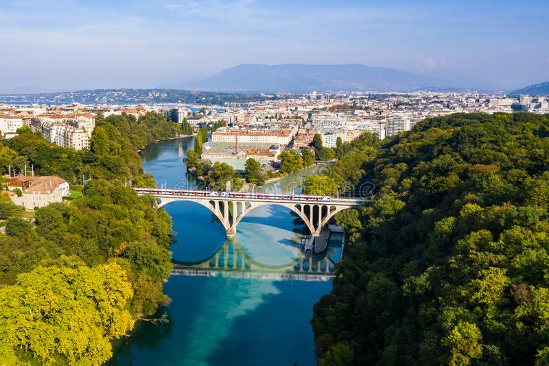 Vue aérienne d'Arve un Rhône confluent à Genève Switzerl image libre de droits