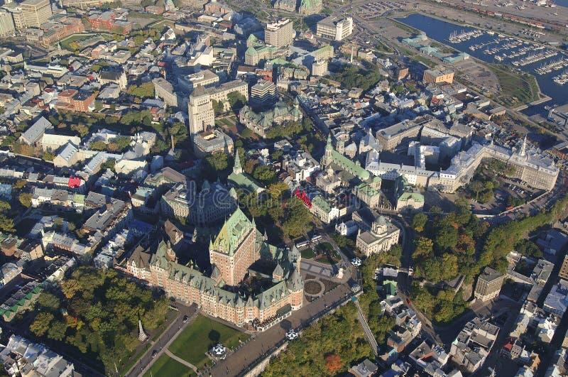 Vue aérienne d'hôtel de Frontenac de château et de vieux port dans ci du Québec images stock