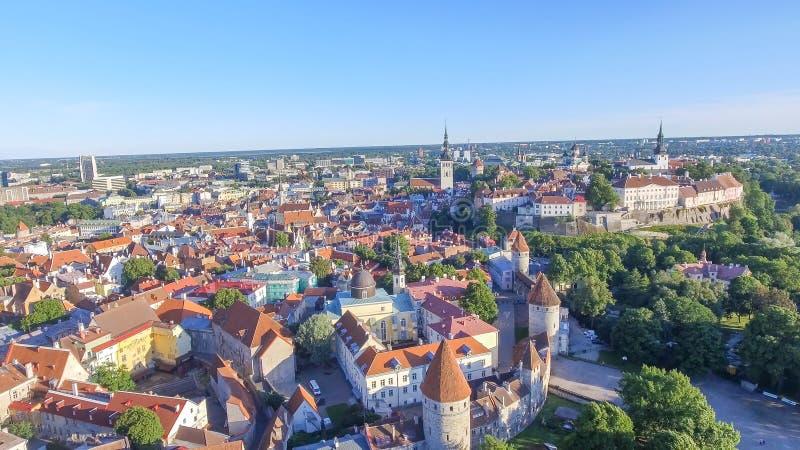Vue aérienne d'horizon de Tallinn, Estonie photo stock