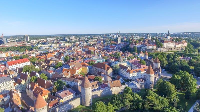Vue aérienne d'horizon de Tallinn, Estonie photos libres de droits