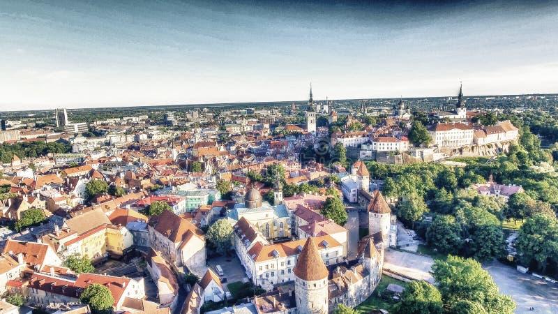 Vue aérienne d'horizon de Tallinn, Estonie image stock