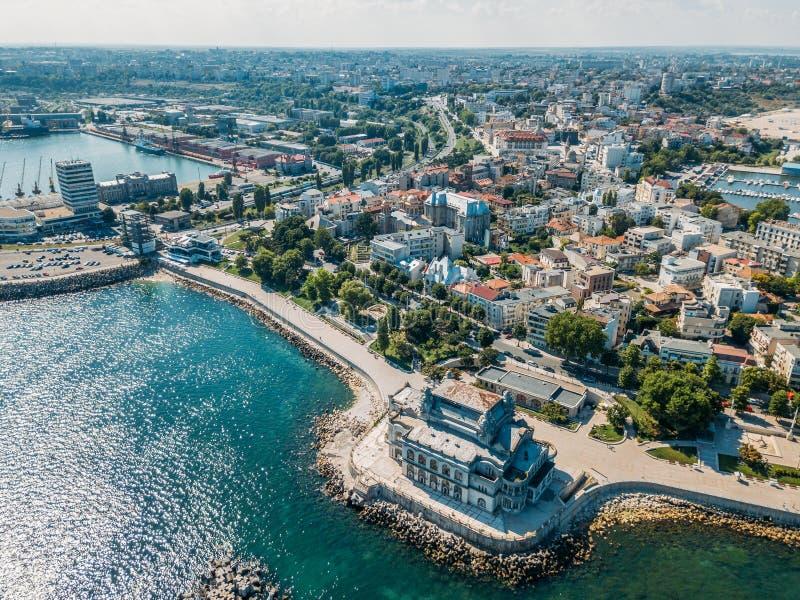 Vue aérienne d'horizon de ville de Constanta de la Roumanie image libre de droits