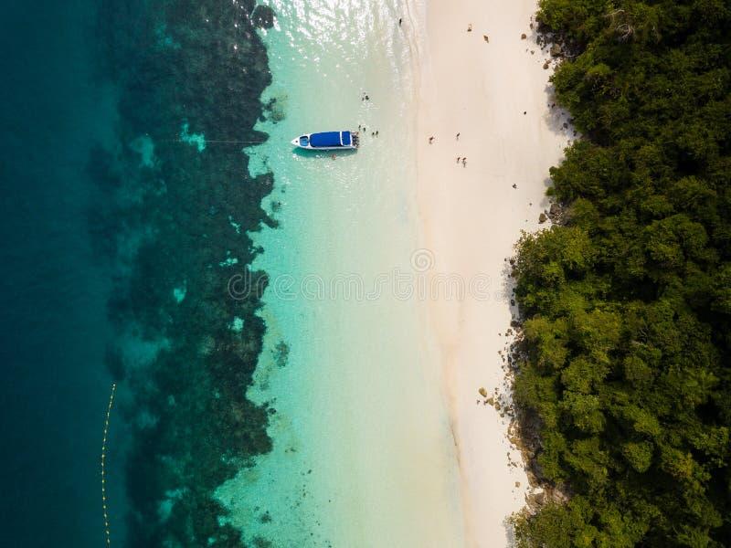 Vue aérienne d'un bourdon de belle plage de Madame chez Nyaung Oo photos libres de droits