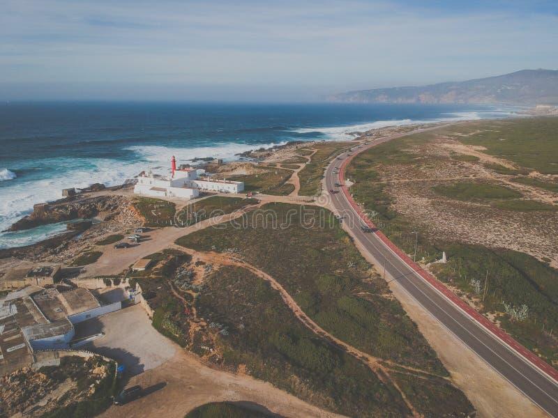 Vue aérienne d'un phare dans le littoral portugais Phare Cascais, Portugal de raso de cap photo stock