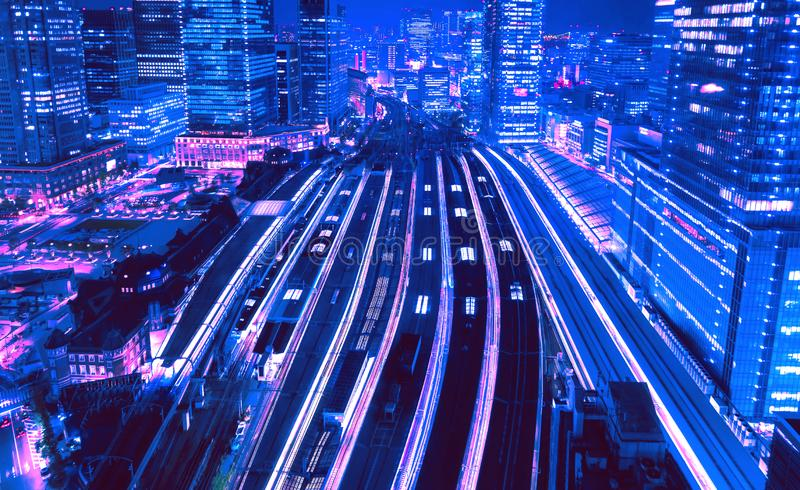 Vue aérienne d'une grande gare de Tokyo de style rétro des années 1980 images libres de droits