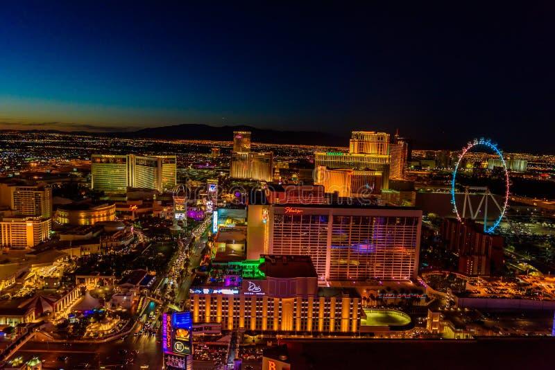 Vue aérienne de bande de Las Vegas au Nevada la nuit - Etats-Unis images libres de droits