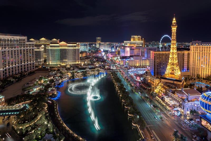 Vue aérienne de bande de Las Vegas la nuit photos libres de droits