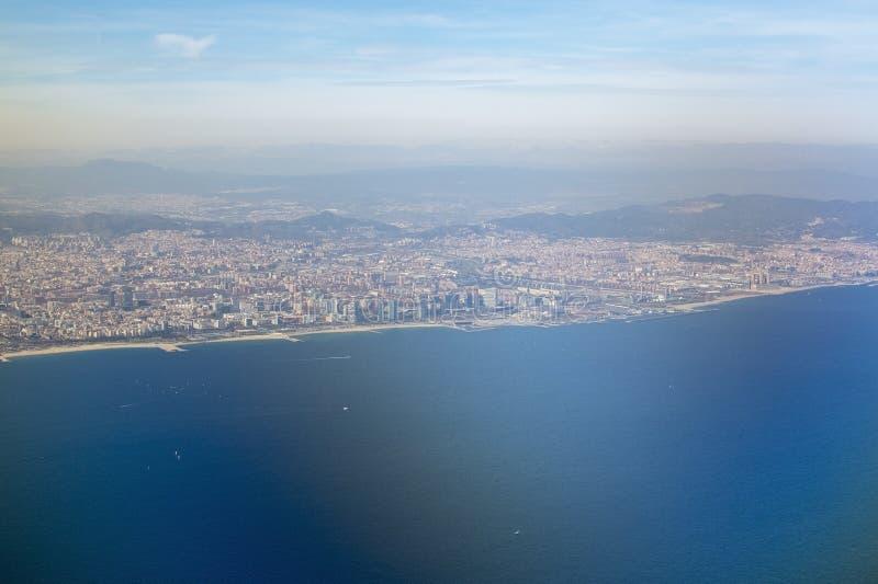 Vue aérienne de Barcelone et de port photographie stock